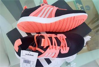 US 6 / EU 38 - Adidas Durama K .. Original Brand New..