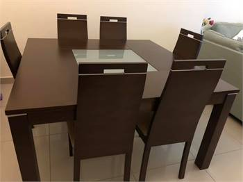 Table With 8 chair Very Clean