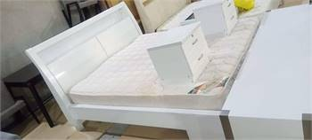 King Size Bed With Two Side Tables