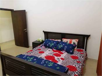 King Size Bed With Mattress In Very Good Condition Near Naumia Towers