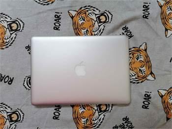 Apple Macbook Pro - I5 / 256Gb Ssd / 8Gb Ram / Backlit Keyboard