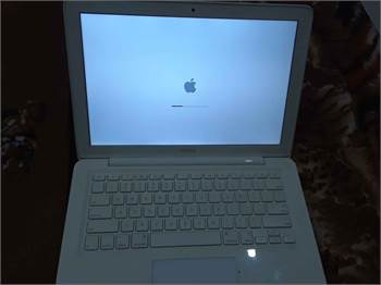 Original Apple Macbook A1342