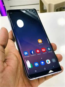 Galaxy Note 8 With Charger Pencil dot in Screen