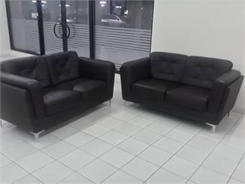 Leather Sofa 2+2 like new