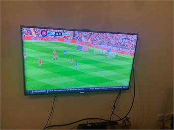 TV 46 inch Samsung smart with 2 remote& 3D glasses