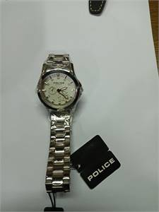 """New branded watches """" Police """" with 70% discount. No box."""
