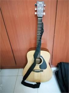 Yamaha F310 Acoustic guitar BUNDLE set for sale