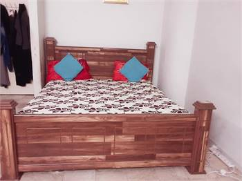 Bedroom set available in very reasonable price
