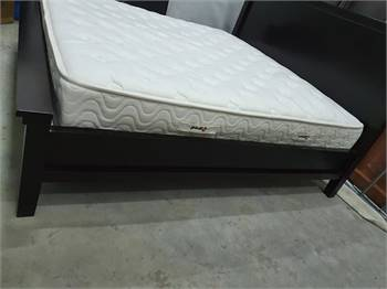 Solid Wood King Size Bed 200 X 200
