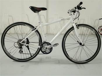 Giant Hybrid Bike 24Speed Shimano Altus Gear
