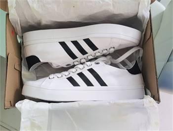 Us 6 / Eu 38 - Adidas Advantage Original Brand New