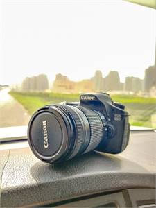Camera Canon 60D with 18-135 mm lens