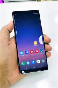 Galaxy Note 8 With Accessories Pencil dot in Screen