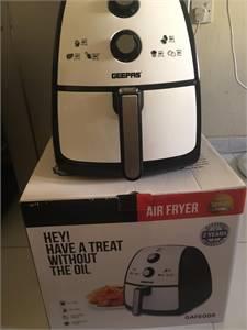 Geepas Air fryer mint condition urgent sale