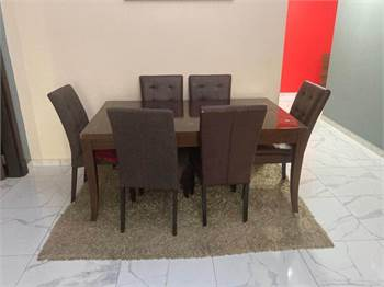 Solid Woden Dining Table With 4 Chairs