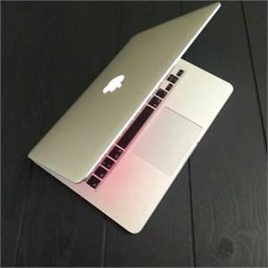 MacBook Pro corei5 Retina display