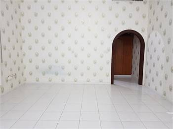 Nice Huge Studio Room Available In Villa