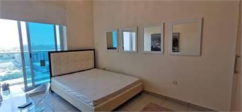 3 beds 3 baths Flat