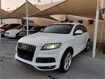Audi Q7 4.2 ltr S-Line Full options Gulf specs