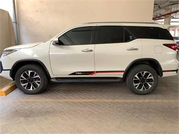 Toyota Fortuner TRD 2.7